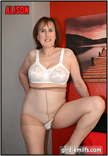 Theme Milfs in girdles that interrupt