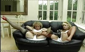 yoga_girls_wmv640x480